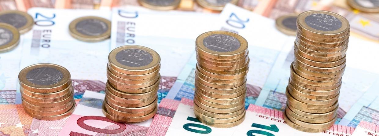 groter wordende stapels munten, briefgeld, euro's, koopkracht, miljoenennota, Prinsjesdag
